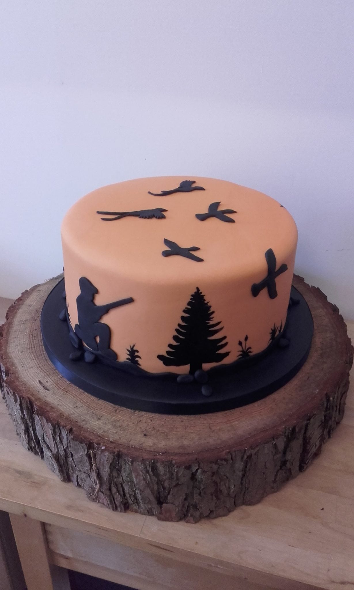 Hobby 18th Birthday Hunting Cake