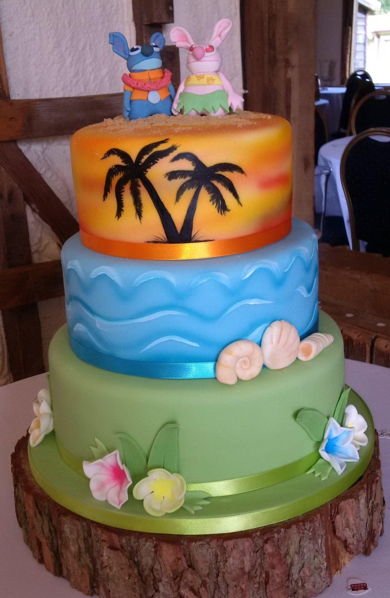 lilo wedding cake